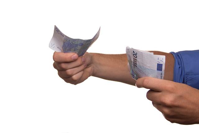 eura v rukou.jpg