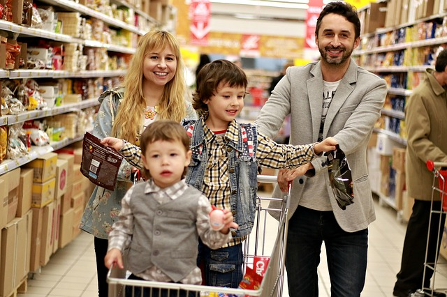 nakupující rodinka