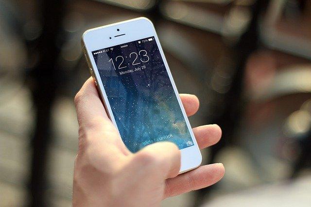 Mačkání na mobil